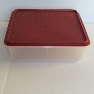 Tupperware Square 9x9x3 inch storage container EUC